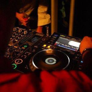DJ ADRENALIN and Gyusz-- Rain and bass