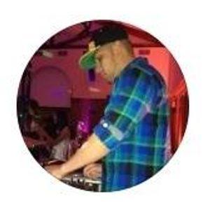 DJ PHIL - REGGAETON ON POINT MIX VOL. 9