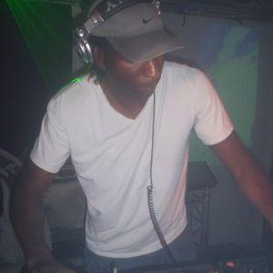 Fabian Lionearth - Live @ Midweek Sessies on XT3 techno radio (27-04-2011)