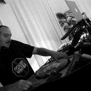 Ludovik - House Classics & Rétro remixes - New Year session - 31-12-2012 Part 1 - 1h23