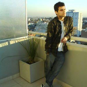 8bitz radio guest mix #20 - diego metzer (aug 26th 2011)