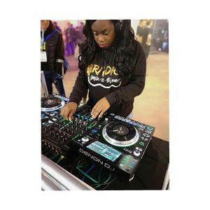 DJ Rezilent