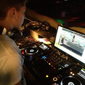 Movin On Mixtape (Queirolo Simone Dj)