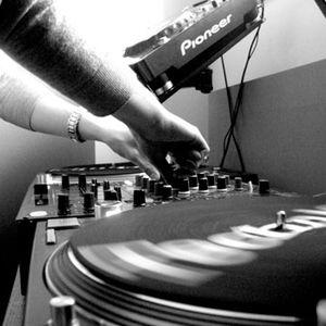 La música electrónica son sonidos para oídos inteligentes..