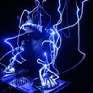 dj set in the jungle of basslines
