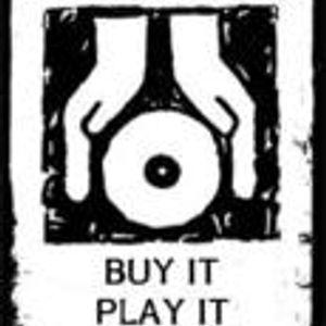 Only vinyls 4 me.... thanks!