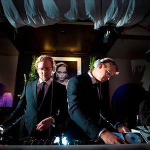 12011-11-26_DJ Victor & Rolf_Live Part Two