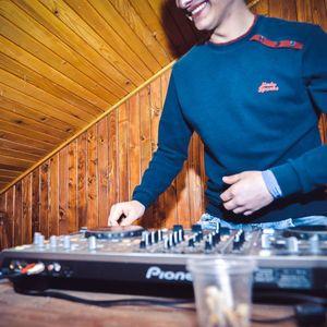 DJ Gona BomChoo