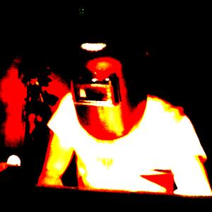 部屋の隅で膝抱えた体勢で舌出して白目むきながら聴くmix