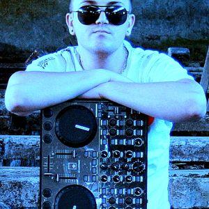 Club_Escape_-_Vol 2_-_2008_-_Dj_Verony&dj Kevin.mp3