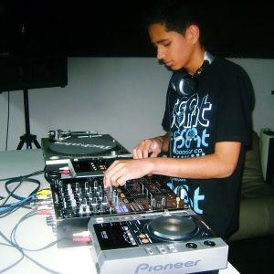 Douglas Rodrigues - DJset (ime)