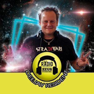DJ.REDS - Master-Mix-StraDJvari-RADIO ONE DANCE 2016-17 (3 Tracks In 1..Spring 2017)