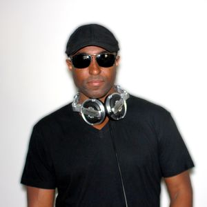 I'm Gonna Make You Shake Mix by DJ Eric B
