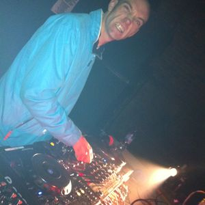 ian f live @ maid of the loch 2011 techno set