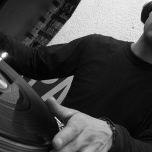 FLY TECHNO DJ DRAKO SET 2011
