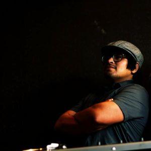 "DJ Qwiz presents the ""Way I Groove Mix"""