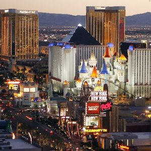 RJ Bell discussed sports and legal gambling in Las Vegas & early NFL odds