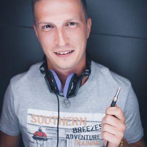 Sergey Larsen - House Music Energy Mix Show (Volume 057)