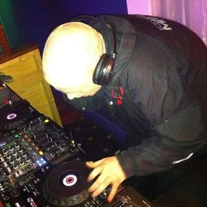 DJ DISTORTER MC BOUNCIN LIVE IN THE MIX MAKINA SET 2014