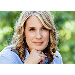 Author Kerry Lonsdale talks #EverythingWeLeftBehind on #ConversationsLIVE