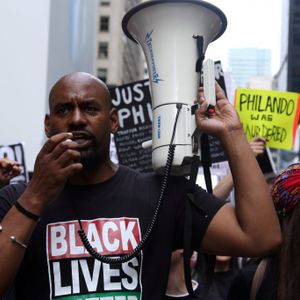 Why do so few deadly police shootings end in police convictions?