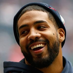Arian Foster Believes He Can Take on A Wolf