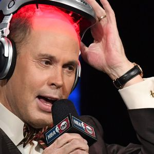 Turner Sports Host Ernie Johnson Is in an Insanely Busy Stretch