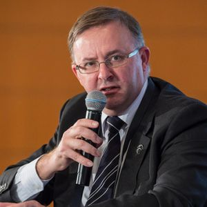 Equal economic policy good for Australia: Albanese