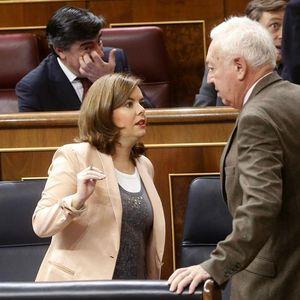 Personas Físicas: El 'zasca' de Margallo a Sáenz de Santamaría