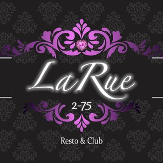Playing Dice @La Rue 2-75