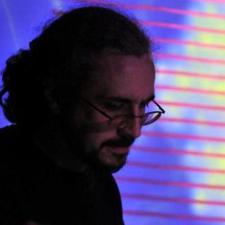 The Centrifuge Radio Show #72 - 10th May 2012 - Guest mix from Topher (Aries Slant / Bit-Phalanx)