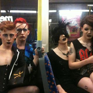01/09/11 The Anything Goes Breakfast Show with trannies on the bus and Greetings