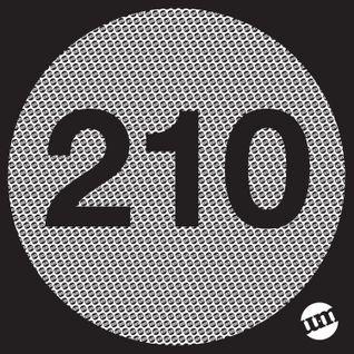 UM210 - Deep House Mix (25.11.14)
