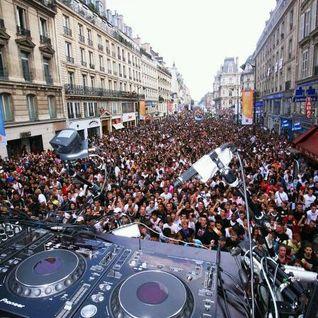 1h de mix a la Techno Parade Paris 2012 avec Dj First Mike au Platine