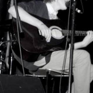 Mathew Petit: 7 February (interview & live acoustic)