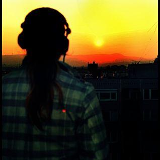 Szaszi Jr .- Live Mix 002@100% THM Rádió (2011-05-09)