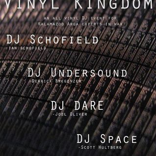DJ Undersound for first 1:30, then me for an hour.