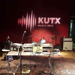LIVE AT KUTX