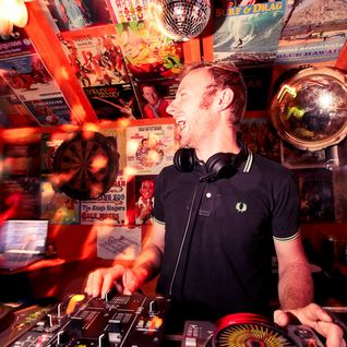 Disco Shed live @ Thames Fest 2011: Peepshow Paddy 2 - Sun 2000-2200