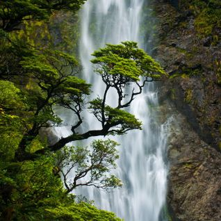 Liquid Lowdown 04-04-2016 on New Zealand's Base FM 107.3