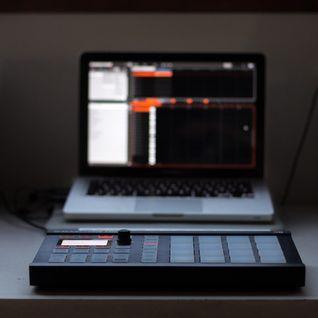 Dinujr - Essential mix