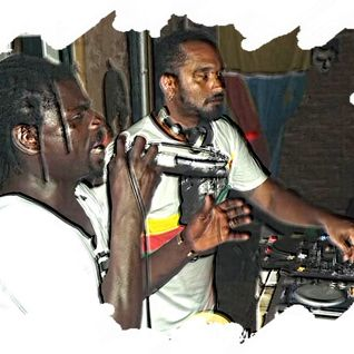 DJ Mauro Telefunksoul ao vivo na Festa Preto no Branco@ Sankofa African Bar  28-12-12