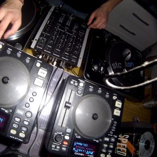 [29-11-2012] Idra b2b Nahuel Heinzmann [CD-Player Set + Live Kaosscilator]