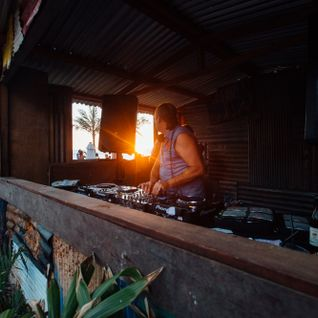 José Padilla Sunset  mix recorded live at Potato Head Beach Club on New Years Day 2016