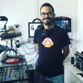Mickey Perez @ The Lot Radio 08:18:2016