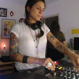 Amanda Mussi DJ Set - quarto|fresta