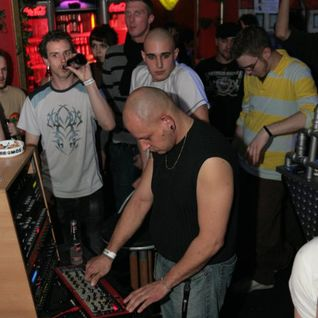 TrRaxxter - TechHouse @ Home (30.04.2005)