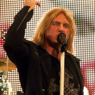 Sean Knight from 93.7 KCLB Interviews Joe Elliot of Def Leppard