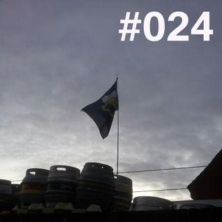 #024 ~ D90 ~ 9th January 2013 ~ Purple Radio