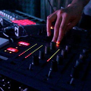 mila stern legt elektronische musik auf